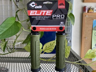 *ODI *ELITE PRO V2.1 LOCK-ON GRIP  アーミーグリーン