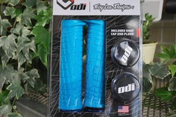 *ODI * Troy Lee Lock-On Bonus BLUE/BLUE