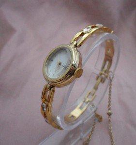 ラインストーンブレスレット時計ゴールド