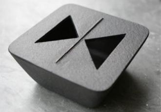南部鉄器 灰皿 正方形型 蝶々