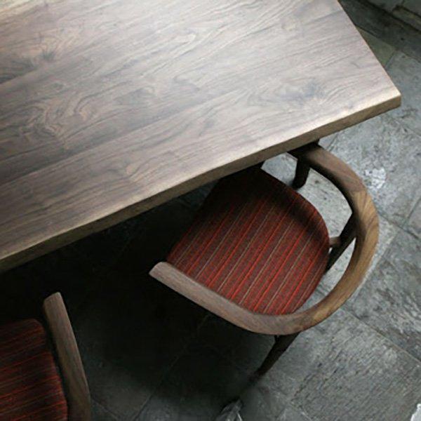 ソリッド ダイニングテーブル