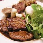<b>【コラム】<br>お肉料理と白ワインを楽しもう!</b>