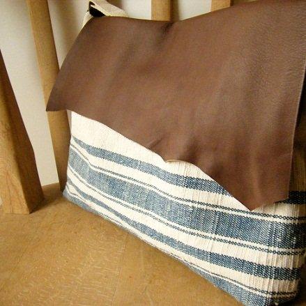 手織り布と本革の斜め掛けbag