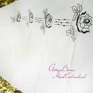 ベルギー 雑貨  ベルギー 1900年代 アンティーク 薔薇 聖母マリア ゴシック 手刺繍 教会