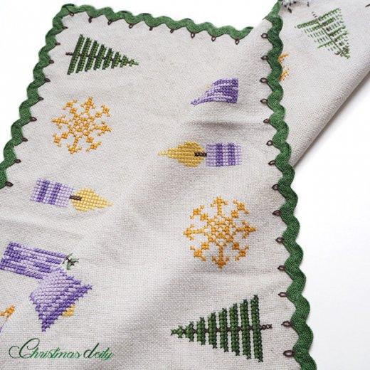 ドイツ クリスマス クロス(39×41)ヴィンテージ 【手刺繍 キャンドル・ツリー クロスステッチ】【画像3】