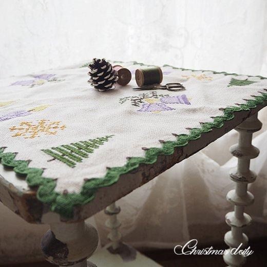 ドイツ クリスマス クロス(39×41)ヴィンテージ 【手刺繍 キャンドル・ツリー クロスステッチ】【画像4】