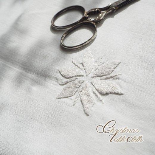 ドイツ クリスマス テーブルクロス(76×70)ヴィンテージ 【手刺繍 キャンドル・氷の結晶・もみの葉】【画像5】
