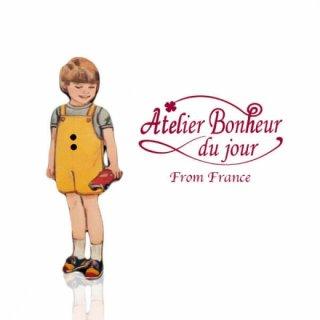 ガーリー 雑貨  フランス輸入ボタン アトリエ・ボヌール・ドゥ・ジュール【黄色い服の男の子】