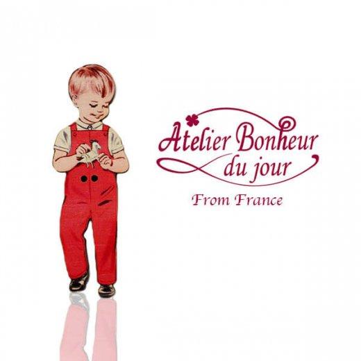 フランス輸入ボタン アトリエ・ボヌール・ドゥ・ジュール【赤い服の男の子】