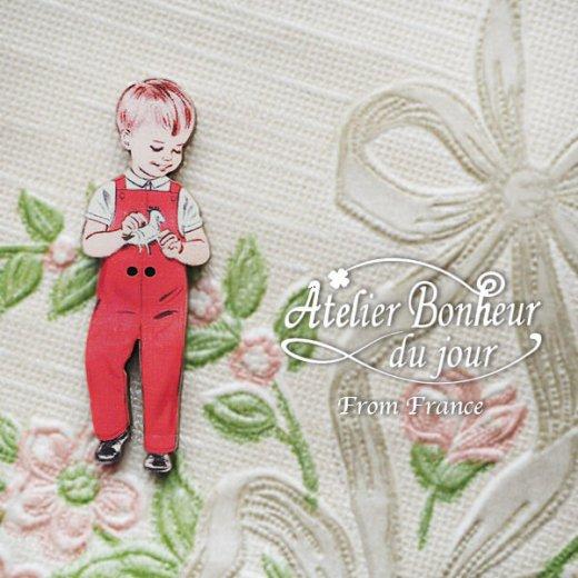 フランス輸入ボタン アトリエ・ボヌール・ドゥ・ジュール【赤い服の男の子】【画像2】