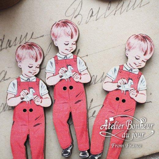 フランス輸入ボタン アトリエ・ボヌール・ドゥ・ジュール【赤い服の男の子】【画像5】