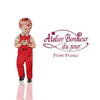 ガーリー 雑貨  フランス輸入ボタン アトリエ・ボヌール・ドゥ・ジュール【赤い服の男の子】