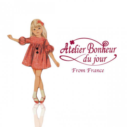 フランス輸入ボタン アトリエ・ボヌール・ドゥ・ジュール【赤いチェックワンピースの女の子】