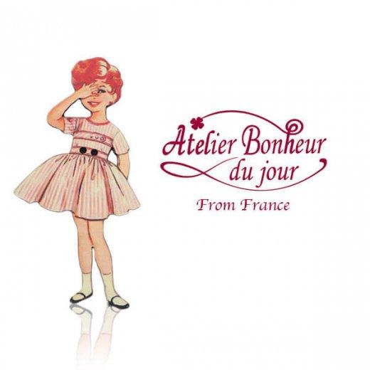 フランス輸入ボタン アトリエ・ボヌール・ドゥ・ジュール【赤いストライプワンピースの女の子】