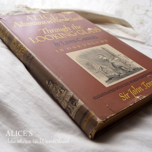 【送料無料】イギリス 1941年 アンティーク本 不思議の国のアリス 童話 Adventure in Wonderland【画像11】