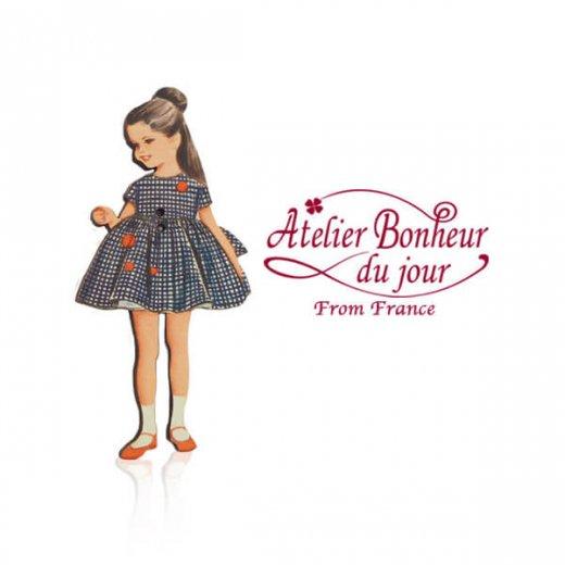 フランス輸入ボタン アトリエ・ボヌール・ドゥ・ジュール【青いギンガムの女の子】
