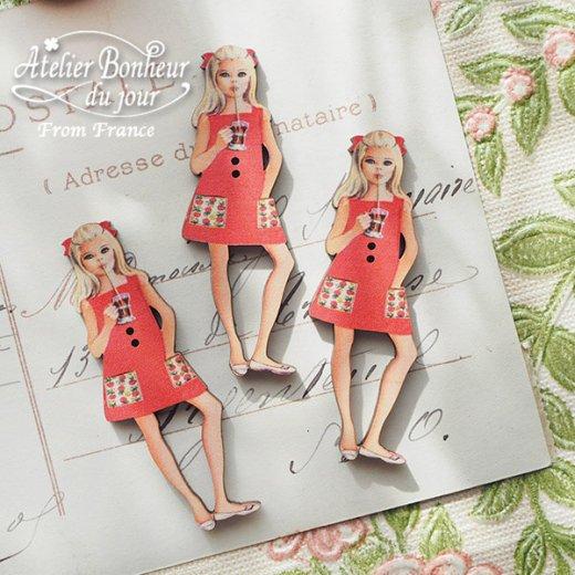 フランス輸入ボタン アトリエ・ボヌール・ドゥ・ジュール【赤いワンピースの女の子】【画像3】