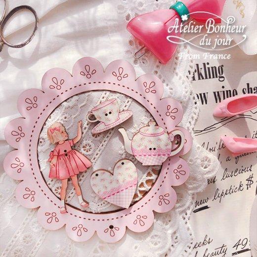 フランス輸入ボタン アトリエ・ボヌール・ドゥ・ジュール【ピンクドレスの女の子】【画像7】