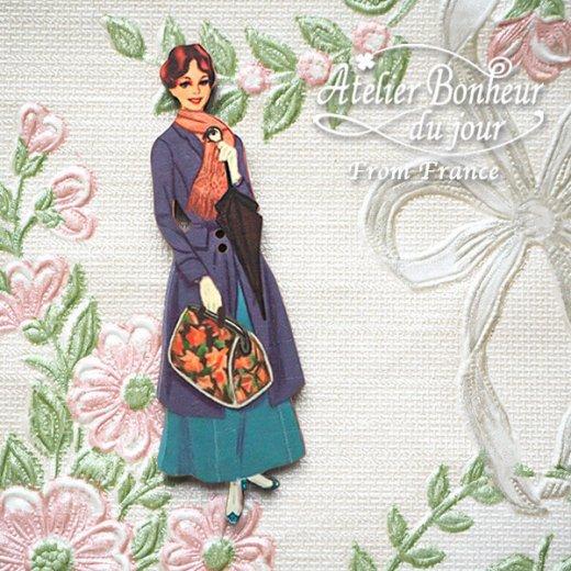 フランス輸入ボタン アトリエ・ボヌール・ドゥ・ジュール【バッグを持った女性】【画像5】