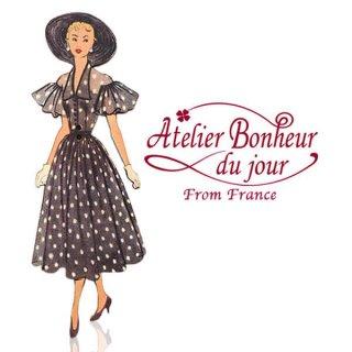 フランス輸入ボタン アトリエ・ボヌール・ドゥ・ジュール【ドット柄のワンピースの女性】
