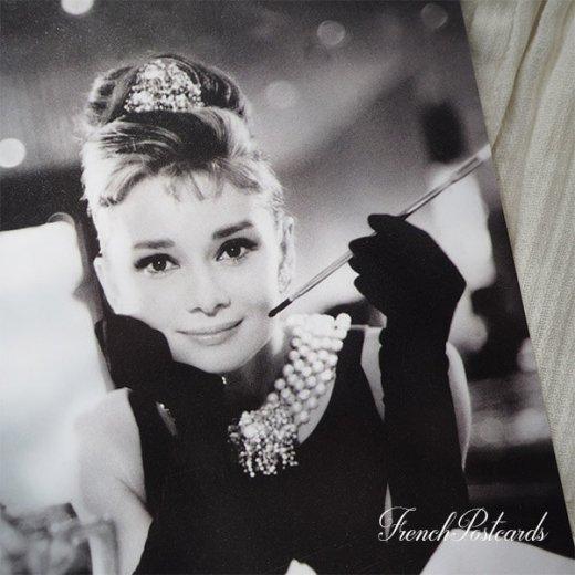 フレンチ ポストカード オードリー・ヘップバーン テファニーA (Audrey Hepburn)【画像2】