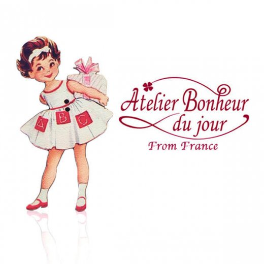フランス輸入ボタン アトリエ・ボヌール・ドゥ・ジュール【プレゼントを持った女の子】