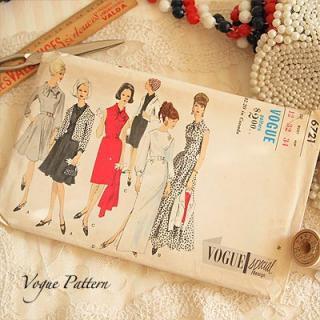 ボタン 手芸用品 アメリカ 1960年代 ヴィンテージ 洋服の型紙 VOGUE Pattern【Red×monotone】