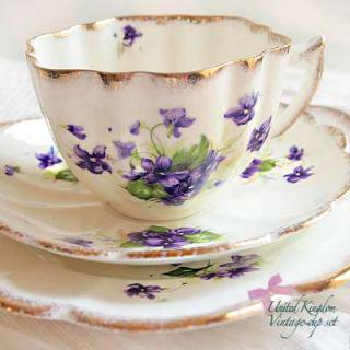 陶器 食器 イギリス BONE CHINA アンティークカップ・トリオ【melba】