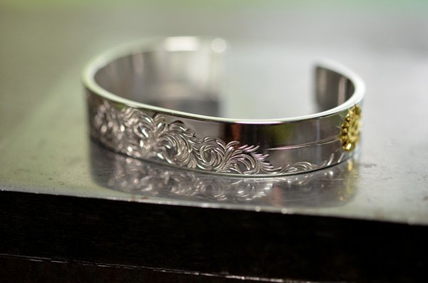 arabesque design bangle 12mm/K24 eagle