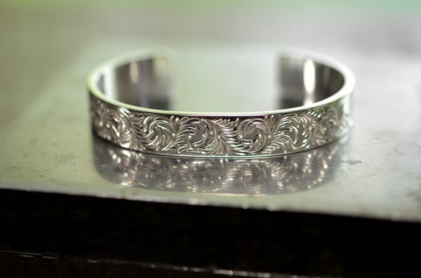 arabesque design bangle 10mm