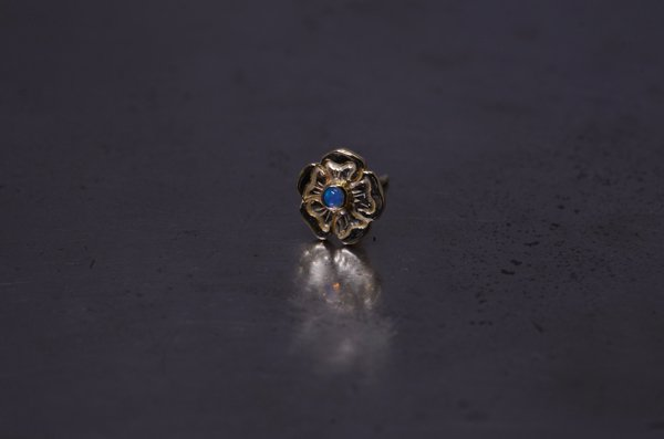 flower / opal pierce. k18