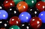 【激安天然石ビーズ連】【染色処理】マルチカラーアゲート/瑪瑙ビーズ連 赤/青/緑/黄色/黒 8mm