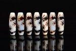 【激レア】【人気NO.1】【チベット天珠ホワイトタイプ】高品質 ★五爪龍(龍神)★ 白天珠 約12*38mm(画像商品からランダムで出品)