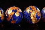 【天然石彫刻ビーズ連】【四神獣】【金箔】【手彫り】★青龍★ラピスラズリ彫刻ビーズ1連約12mm