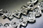 【対角線穴】 高品質天然水晶(クォーツ)キューブ(立方体)10*10mm