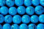 シンセティックターコイズ(明るいブルータイプ色均一)丸玉ビーズ4mm