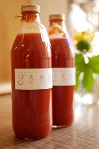 甘い水のトマトジュース