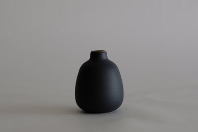 <img class='new_mark_img1' src='//img.shop-pro.jp/img/new/icons8.gif' style='border:none;display:inline;margin:0px;padding:0px;width:auto;' />Bud Vase (Indigo) - Heath Ceramics