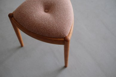 UNI stool (black cherry x t-red) - Kai Kristiansen
