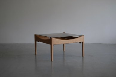 <img class='new_mark_img1' src='https://img.shop-pro.jp/img/new/icons8.gif' style='border:none;display:inline;margin:0px;padding:0px;width:auto;' />MODUS side table (oak) - Kristian Vedel