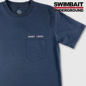 <img class='new_mark_img1' src='https://img.shop-pro.jp/img/new/icons15.gif' style='border:none;display:inline;margin:0px;padding:0px;width:auto;' />SWIMBAIT UNDERGROUND/SU Logo ポケット Tシャツ