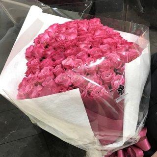 生花・ワンサイドブーケ・ピンクのバラの花束(100本)