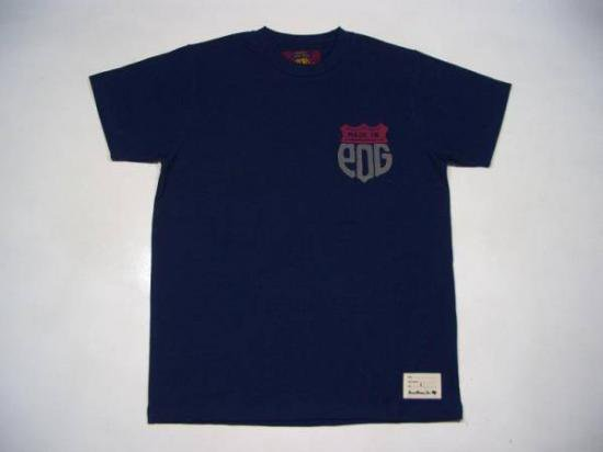 <img class='new_mark_img1' src='//img.shop-pro.jp/img/new/icons34.gif' style='border:none;display:inline;margin:0px;padding:0px;width:auto;' />ショートスリーブTシャツ・MADE IN PDG/ネイビー