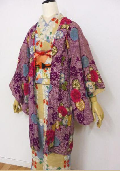 アンティーク長羽織・絞り柄の赤紫地に梅・牡丹・橘