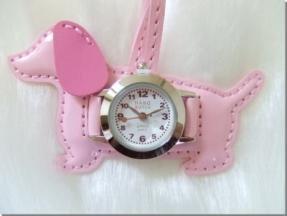 バックにつけるかわいい時計