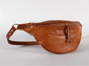 <img class='new_mark_img1' src='https://img.shop-pro.jp/img/new/icons13.gif' style='border:none;display:inline;margin:0px;padding:0px;width:auto;' />LEATHER WAIST BAG -LARGE