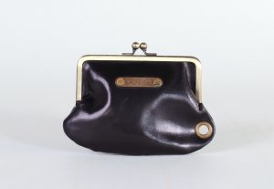 <img class='new_mark_img1' src='//img.shop-pro.jp/img/new/icons13.gif' style='border:none;display:inline;margin:0px;padding:0px;width:auto;' />LEATHER VOYAGE COIN PURSE