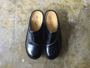 フローレンス ブラック<br>37(23.5〜24cm),38(24〜24.5cm)
