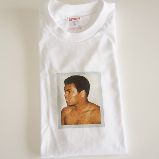 Supreme ALI/WARHOL TEE<img class='new_mark_img2' src='https://img.shop-pro.jp/img/new/icons47.gif' style='border:none;display:inline;margin:0px;padding:0px;width:auto;' />