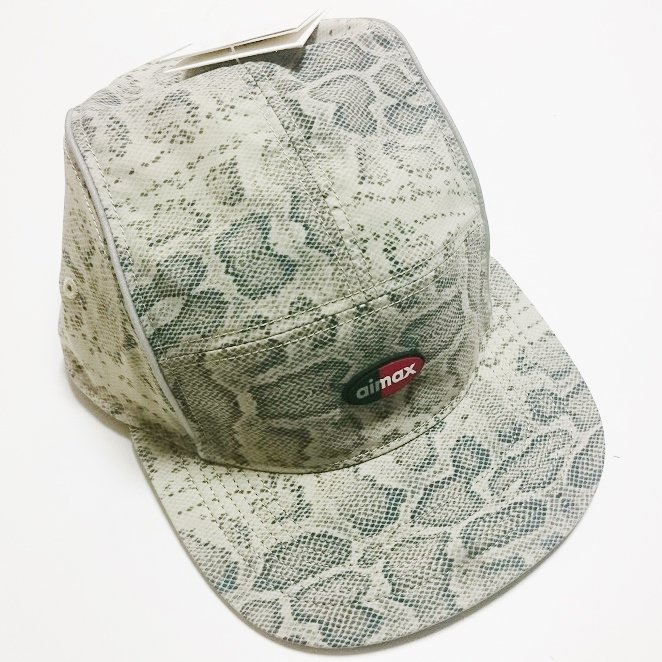 Supreme NIKE DRI FIT AIR MAX RUNNING HAT<img class='new_mark_img2' src='https://img.shop-pro.jp/img/new/icons47.gif' style='border:none;display:inline;margin:0px;padding:0px;width:auto;' />